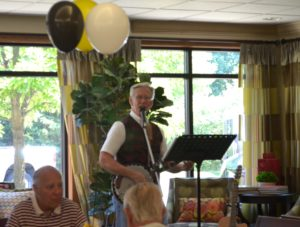 Harry Canary performing at The Inn at Belden Village